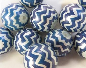 20mm, 10CT. Blue and White Chevron Striped Bubblegum Beads, C60