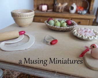 Vintage Style Red Pastry Blender in 1:12 Scale for Dollhouse Miniature Kitchen Roombox