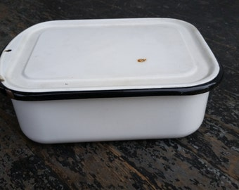 Vintage Enamelware Bread / Meatloaf Pan in White with Black Trim with Lid