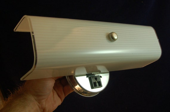 Vintage Retro 1960's Bath Bar Light Fixture