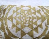 In Stock / Sacred Geometry Organic Lavender eye pillow - Yoga tool, perfect for Savasana