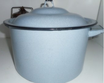 Enamelware, Pot, Cooking Pot ,Kitchen Pot ,Vintage Enamelware