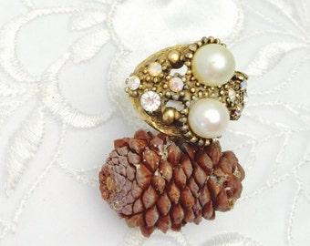 Art Deco Ring, Large Faux Pearls, Clear Rhinestones, Vintage, Gold Tone, HALF OFF Sale, Item No. B382