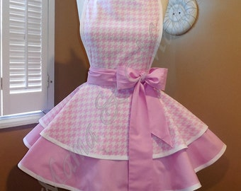 Pink Houndstooth Print Woman's Retro Apron With Tiered Skirt And Bib