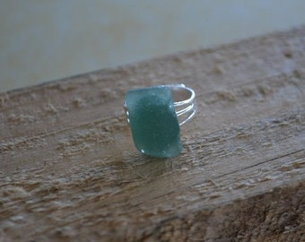 Seashell Jewelry ...Blue/Green Glass Ring (0999)