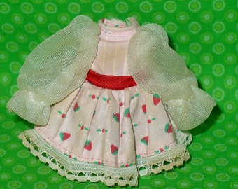 Vintage STRAWBERRY SHORTCAKE Berrykin Doll DRESS 1984 Kenner