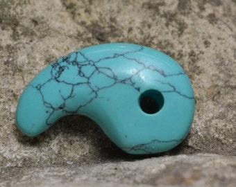 Turquoise magatama pendant bead  MG078