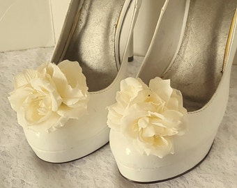 Ivory Shoe Clips, Wedding Shoe Clips,Rose Shoe Clips, Ivory Roses,Bridal Shoe Clips, IVory Shoe Clips, Clips for Wedding Shoes, Bridal SHoes