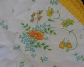 """1977 """"Meadow"""" Corelle  Corningware set of 4 quilted placemats vintage dining decor bouquet of spring field flowers Poppies yellow border"""