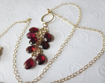 Luscious Top Quality 8 Garnet and Gold Necklace