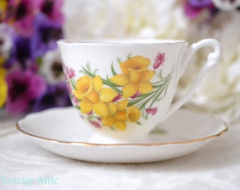 Queen Anne Teacup and Saucer Set With Narcissus Flowers,  English Bone China Tea Cup Set With Yellow Daffodils, ca.1950