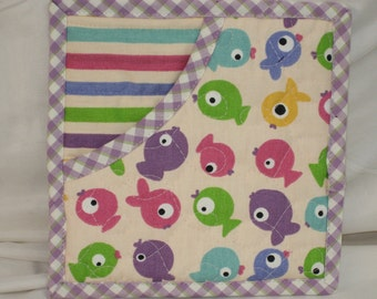 Quilted Potholders, Fabric Hot Pads, Insulated Pot Holders, Oven Mitts ~ Pastel Fish