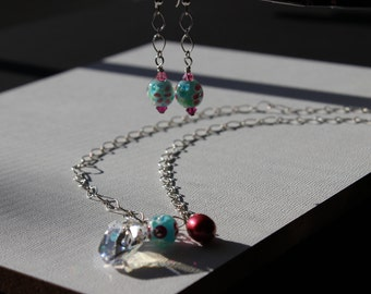 Swarovski Crystal & Flower Bead Earrings and Necklace Set