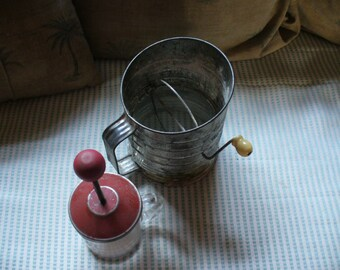 6 Vintage Kitchen Items