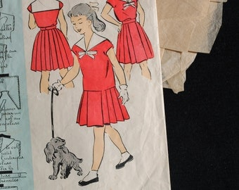 Vintage French Sewing Pattern 1950's Patron Modele girl's sailor top and pleated skirt age 8 to 10 #54509 - marinière and jupe