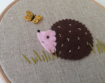 Felt hedgehog hoop art.  Woodland nursery. Hedgehog art. Wall decor