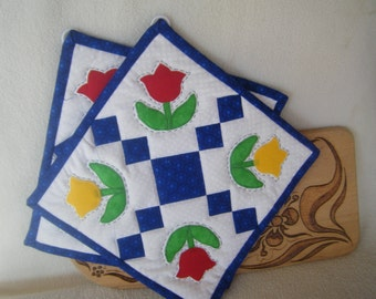 Red and Yellow Tulip Quilted Potholders - Set of 2 - HANDMADE BY ME