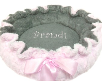 Medium Dog Bed, Pet Bed, Personalized Dog Bed, Baby Pink and White Bed