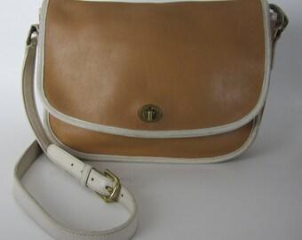 Vintage COACH Messenger Saddlebag - Caramel Brown Beige Leather Shoulder Bag - 9667 - Crossbody Saddle Bag- Womens Fashion Designer Bag