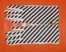 DEADSTOCK Vintage Striped Gloves Unworn Mod Nylon Gloves Stretch Gloves 1960s NWT Summer Gloves Black White Striped Made in England sz 7