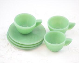 AKRO Agate Childrens Tea Cups and Saucers, Jade Jadeite