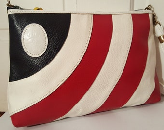 U S A // RED WHITE and BLUE Flag Purse Vintage Leather Clutch Shoulder Bag July 4th America Independence Day