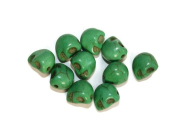 Green Howlite Skull Beads - 10 pieces - 10x8 mm (110)