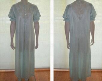 Pale Blue Peignoir, Size M, Vintage Peignoir, Pinehurst Lingerie, Women's Long Lightweight Gown, Blue Ladies' Robe, 60's Lingerie, Mad Men