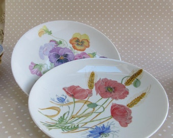 Vintage Hand Painted Poppy and Pansy Plates by Gloria Hylands 1993 Floral Flower
