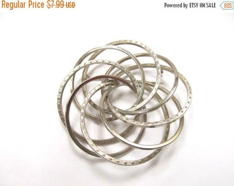 On Sale Vintage Large Silver Tone Textured Circular Pin Item K # 1526