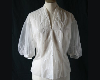 White shirt balloon sleeves, embroidery, Vintage 1950's