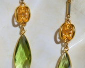 Faceted Green Quartz Crystal Tear Drops Vintage Gold Tone Curley Chain Link Earrings