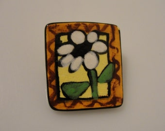 "DM 87 daisy flower pin 1 1/8"" x 1"" crafts repurpose or repair"