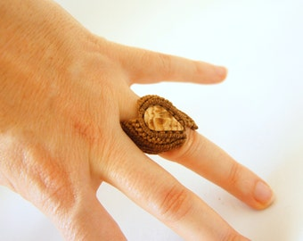 macramé ring · aragonite ring · sensitive skin ring ·micromacramé ring · golden brown ring · assymetric ring·macramé jewelry