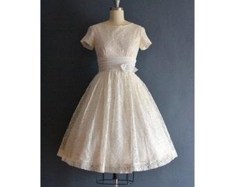 SALE - Dree / 60s short wedding dress / 1960s dress