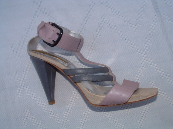 Kenneth Colle colection sandals pre-owned size 6 1/2 M  OR 38 EUROPEAN made in Italy circa 1995's