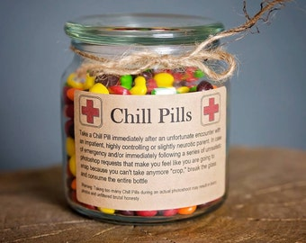 Chill Pill BOYFRIEND/GIRLFRIEND Apothecary Jar 16 oz Funny Gag Gift With Skittles and Gift Wrap