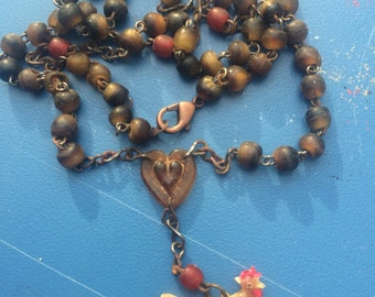Rusty Rooster Vintage Necklace