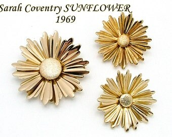 Brooch Earrings Set By Sarah Coventry SUNFLOWER From 1969 In Gold Tone