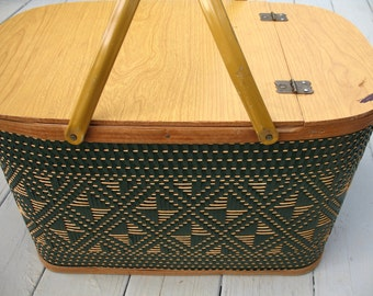 Vintage Picnic Basket Set with Pie Stand, Plates Cups Romantic Picnic Wooden Sewing Basket Storage