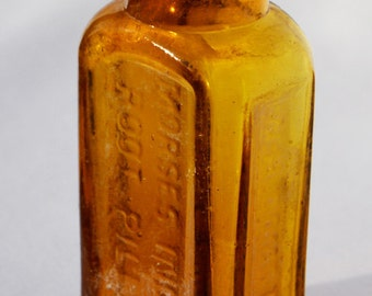 Original Antique INDIAN ROOT PILLS bottle, Quack Cure from the 1800's - This is the Real Thing