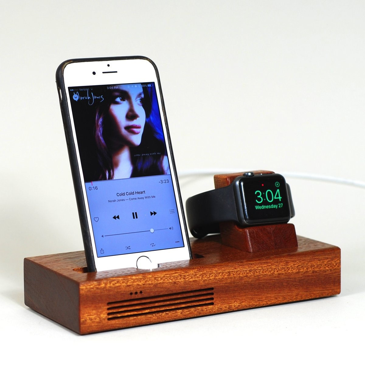 iphone apple watch docking station the concert tandem dock. Black Bedroom Furniture Sets. Home Design Ideas