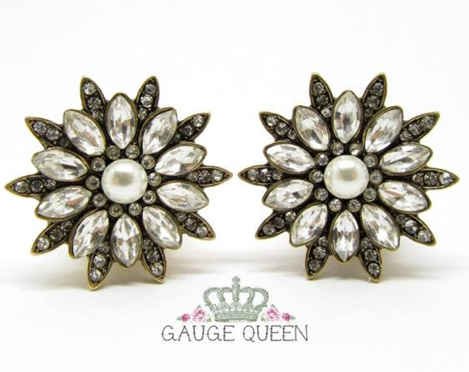 "Pearl & Crystal Flower Plugs / Gauges. 2g / 6.5mm, 0g / 8mm, 00g / 10mm, 1/2"" / 12.5mm, 9/16"" / 14mm, 5/8"" / 16mm, 3/4"" / 19mm"