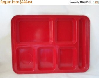 ON SALE Vintage Set of Two Red Fiberglass School Lunch Tray,Cambro Mfg. Co. Huntington Beach CA. Usa, Bbq, Picnic, Plates, Trays, Camp