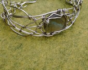 Handmade labradorite wire wrapped silver bracelet, labradorite jewelry, gypsy labradorite jewelry, labradorite wire wrap, silver bracelet