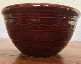 Vintage Mar Crest Daisy Dot Mixing Bowl