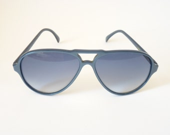 Kador blue vintage Italian sunglasses 1980s aviator style