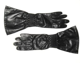 """DESIGNER Vintage 1980s ANNE KLEIN Black Leather 12 3/4"""" Driving Motorcycle Gauntlet Cuff Gloves Aris Mod Couture Designer Fashion Designer"""