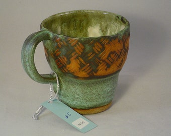 Stoneware mugs in Pinnell Green black