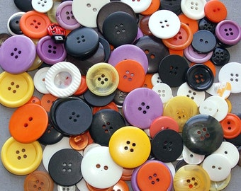 210 Mixed Size, Colors, Buttons
